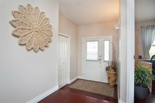 Photo 3: 354 WALNUT Avenue: Harrison Hot Springs House for sale : MLS®# R2158549