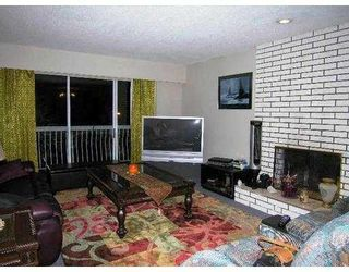 Photo 2: 17 N HOLDOM Avenue in Burnaby: Capitol Hill BN House for sale (Burnaby North)  : MLS®# V677050