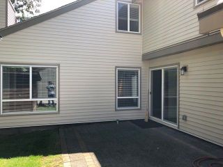 Photo 13: 6146 W GREENSIDE Drive in Surrey: Cloverdale BC Townhouse for sale (Cloverdale)  : MLS®# R2275639
