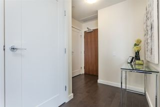 """Photo 5: 908 38 W 1ST Avenue in Vancouver: False Creek Condo for sale in """"THE ONE"""" (Vancouver West)  : MLS®# R2164655"""