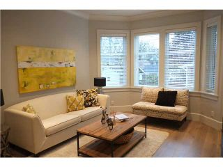 Photo 2: 334 W 14TH Avenue in Vancouver: Mount Pleasant VW Townhouse for sale (Vancouver West)  : MLS®# V1066314