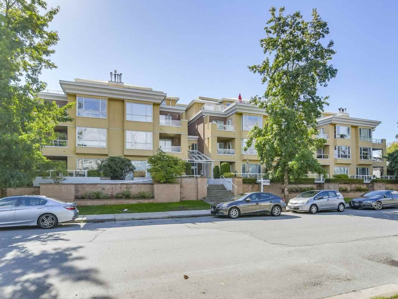 Main Photo: 301 2340 HAWTHORNE AVENUE in : Central Pt Coquitlam Condo for sale : MLS®# R2316603
