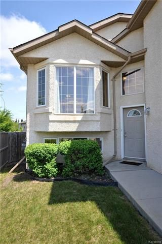 Photo 2: 3 Montvale Crescent in Winnipeg: Royalwood Residential for sale (2J)  : MLS®# 1815274