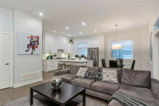 """Photo 7: 19 2427 164 Street in Surrey: Grandview Surrey Townhouse for sale in """"THE SMITH"""" (South Surrey White Rock)  : MLS®# R2531111"""