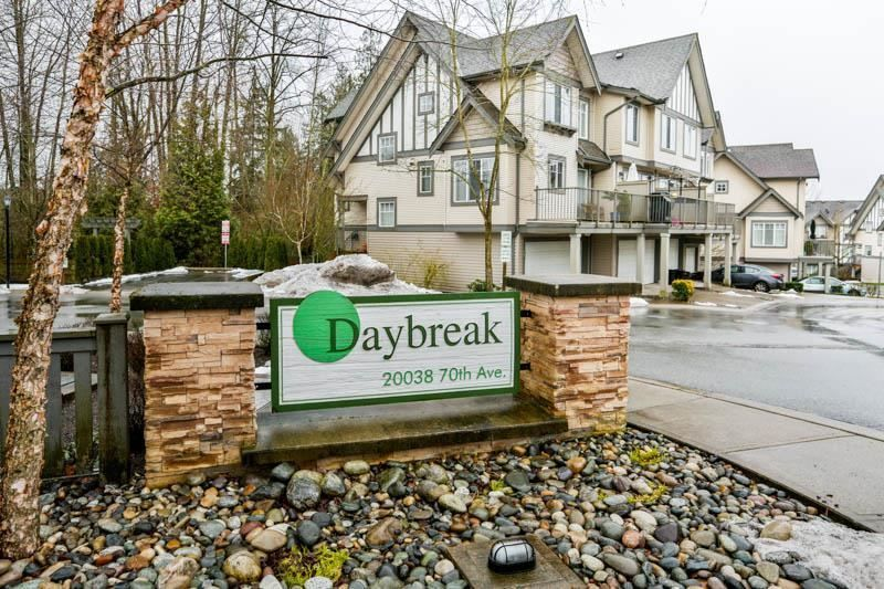 """Main Photo: 78 20038 70 Avenue in Langley: Willoughby Heights Townhouse for sale in """"Daybreak"""" : MLS®# R2313306"""
