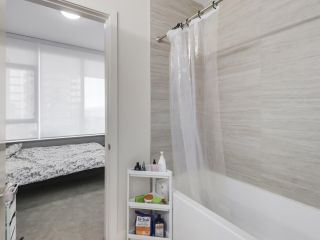 "Photo 12: 907 6383 MCKAY Avenue in Burnaby: Metrotown Condo for sale in ""Gold House"" (Burnaby South)  : MLS®# R2532723"