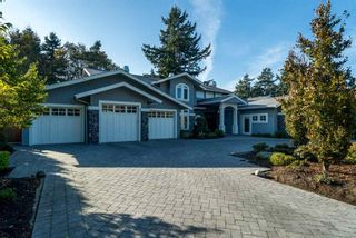 Photo 2: 1031 Pacific Drive in Tsawwassen: English Bluff House for sale