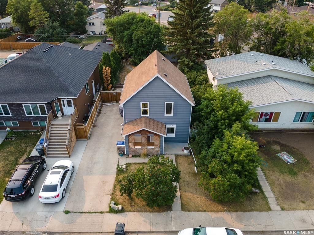 Main Photo: 210 Cruise Street in Saskatoon: Forest Grove Residential for sale : MLS®# SK864666