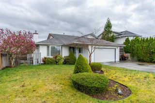 Photo 1: 8462 JENNINGS Street in Mission: Mission BC House for sale : MLS®# R2410781