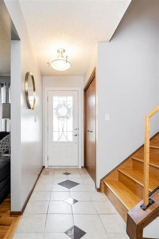 Photo 3: 67 The Bridle Path in Winnipeg: Charleswood Residential for sale (1G)  : MLS®# 202107729