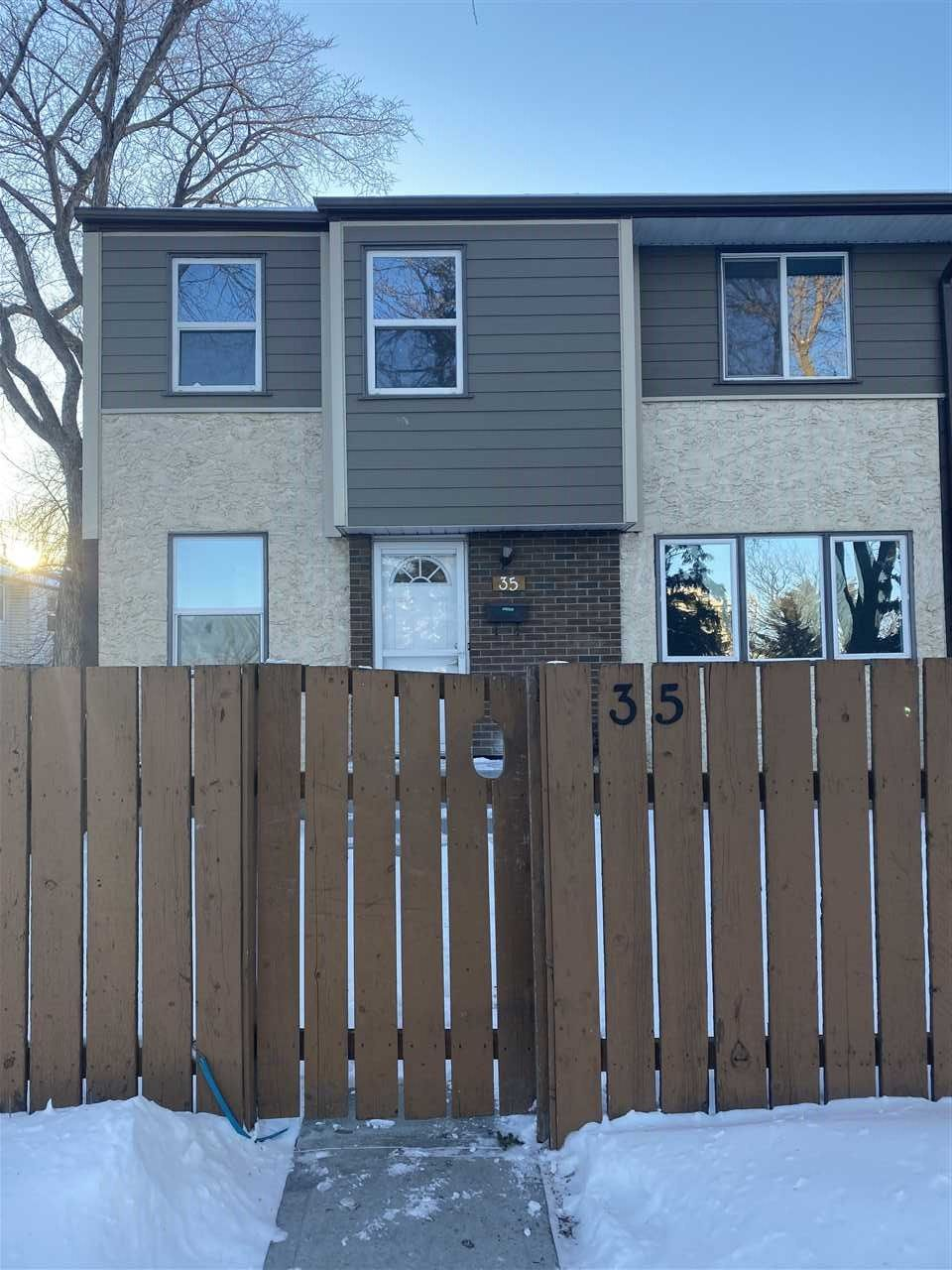 Main Photo: 35 WILLOWDALE Place in Edmonton: Zone 20 Townhouse for sale : MLS®# E4229271