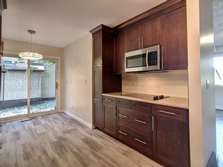 Photo 9: 4321 Riverbend Road in Edmonton: Zone 14 Townhouse for sale : MLS®# E4248105