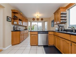 Photo 2: 32737 NANAIMO Close in Abbotsford: Central Abbotsford House for sale : MLS®# R2117570