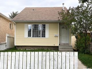 Photo 1: 909 I Avenue South in Saskatoon: Riversdale Residential for sale : MLS®# SK855889