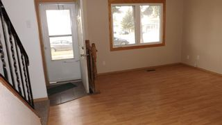 Photo 3: 18 1601 23 Street N: Lethbridge Row/Townhouse for sale : MLS®# A1096298