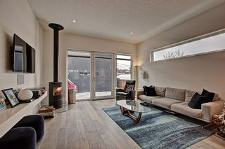 Photo 8: 524 10 Street NE in Calgary: Bridgeland/Riverside Detached for sale : MLS®# A1102466