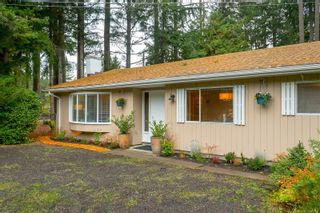 Photo 2: 1928 Barrett Dr in North Saanich: NS Dean Park House for sale : MLS®# 887124