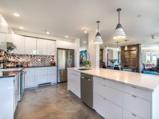 """Photo 11: 307 1502 ISLAND PARK Walk in Vancouver: False Creek Condo for sale in """"The Lagoons"""" (Vancouver West)  : MLS®# R2606940"""