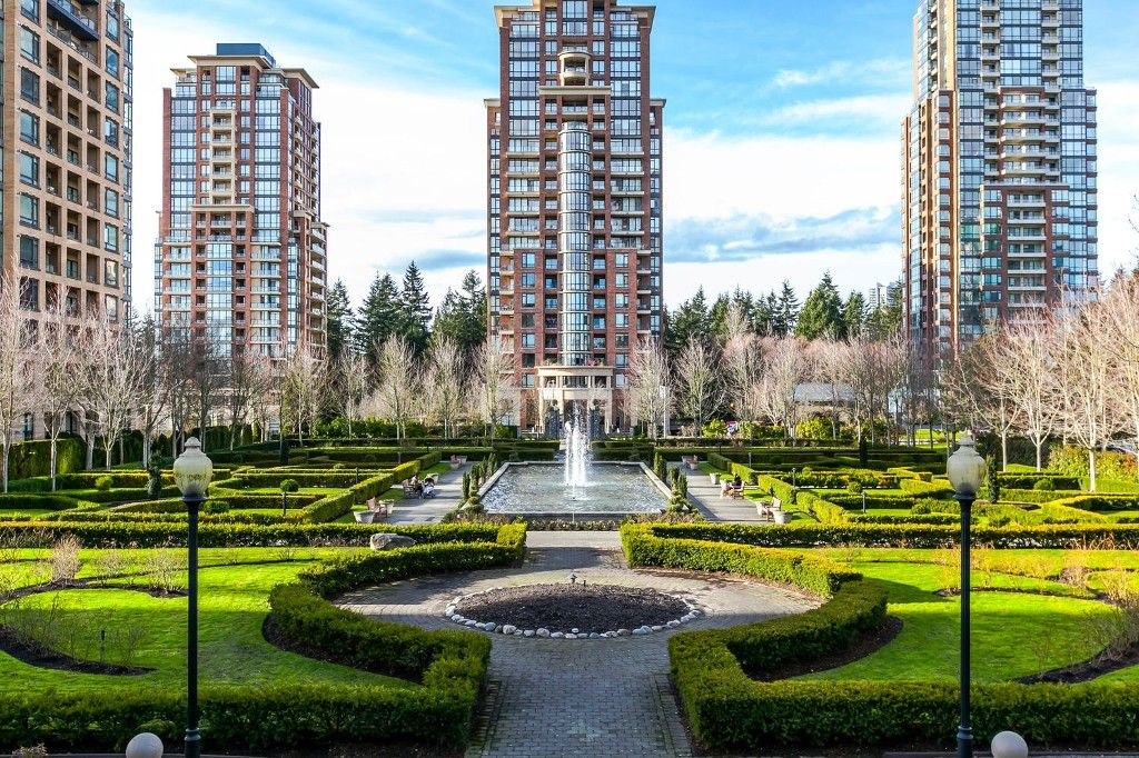 """Photo 19: Photos: 1903 7368 SANDBORNE Avenue in Burnaby: South Slope Condo for sale in """"MAYFAIR PLACE I"""" (Burnaby South)  : MLS®# R2140930"""