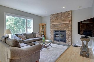 Photo 6: 145 TREMBLANT Place SW in Calgary: Springbank Hill Detached for sale : MLS®# A1024099