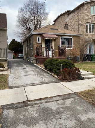 Photo 1: 40 Torrens Avenue in Toronto: Broadview North House (Bungalow) for sale (Toronto E03)  : MLS®# E5347374