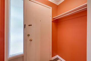 Photo 3: 8116 96 Avenue in Edmonton: Zone 18 House for sale : MLS®# E4253261