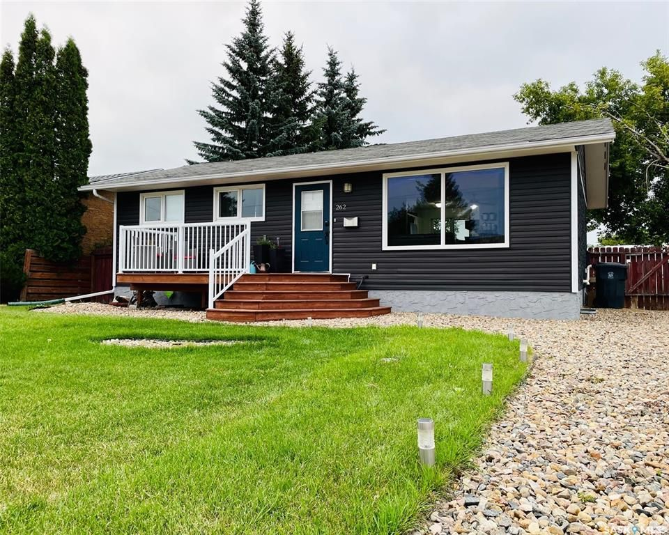 Main Photo: 262 20th Street in Battleford: Residential for sale : MLS®# SK864584