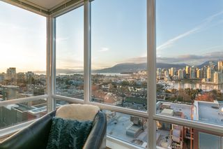 "Photo 5: 802 2483 SPRUCE Street in Vancouver: Fairview VW Condo for sale in ""Skyline"" (Vancouver West)  : MLS®# R2151780"