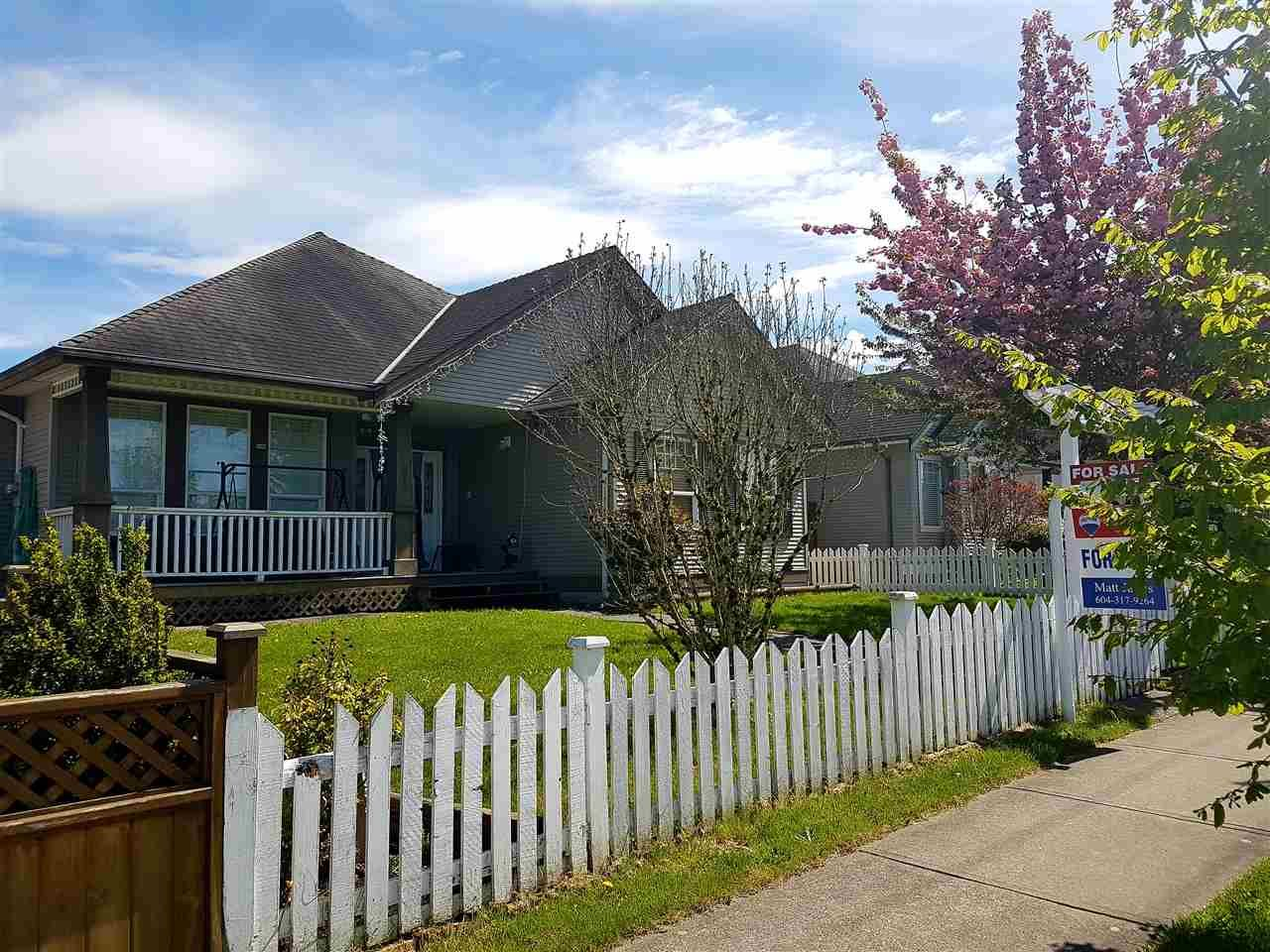 Main Photo: 6852 184 Street in Surrey: Cloverdale BC House for sale (Cloverdale)  : MLS®# R2163014