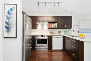 """Photo 10: 309 2628 YEW Street in Vancouver: Kitsilano Condo for sale in """"Connaught Place"""" (Vancouver West)  : MLS®# R2617143"""