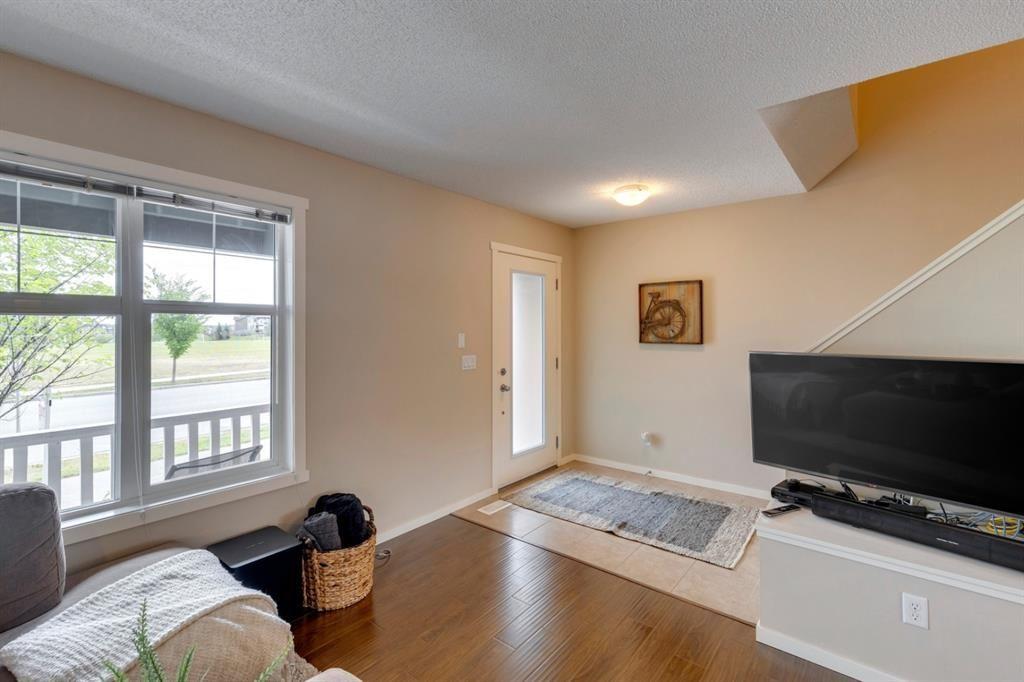 Photo 13: Photos: 33 Marine Drive SE in Calgary: Mahogany Row/Townhouse for sale : MLS®# A1124015