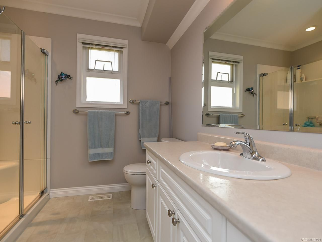 Photo 15: Photos: 2165 Stirling Cres in COURTENAY: CV Courtenay East House for sale (Comox Valley)  : MLS®# 826759