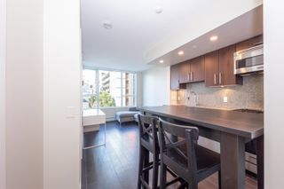 """Photo 6: 557 108 W 1ST Avenue in Vancouver: False Creek Condo for sale in """"WALL CENTRE"""" (Vancouver West)  : MLS®# R2614922"""