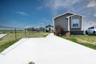 Photo 1: 5802 Labrador Road: Cold Lake Manufactured Home for sale : MLS®# E4259400