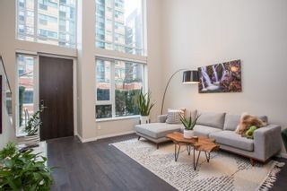 "Photo 2: 1311 CONTINENTAL Street in Vancouver: Downtown VW Townhouse for sale in ""Maddox"" (Vancouver West)  : MLS®# R2445370"