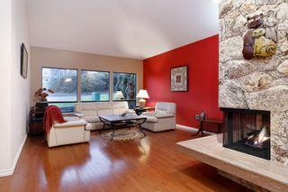 Photo 2: 1012 CORONA Crescent in Coquitlam: Chineside House for sale : MLS®# R2433347