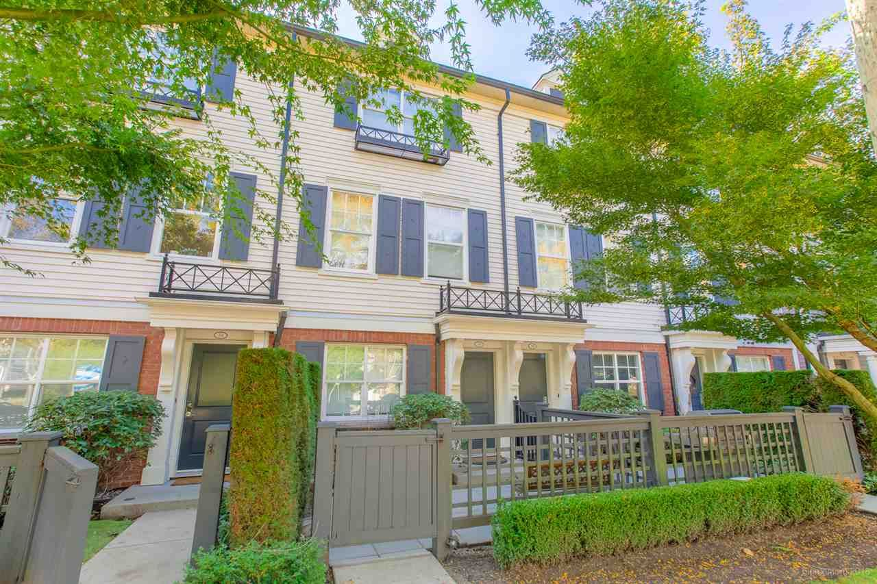 """Main Photo: 39 101 FRASER Street in Port Moody: Port Moody Centre Townhouse for sale in """"CORBEAU"""" : MLS®# R2410507"""