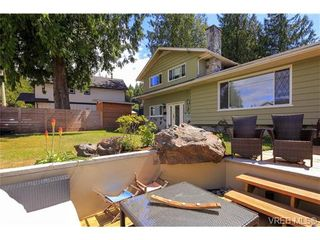 Photo 2: 963 Walfred Rd in VICTORIA: La Walfred House for sale (Langford)  : MLS®# 736681