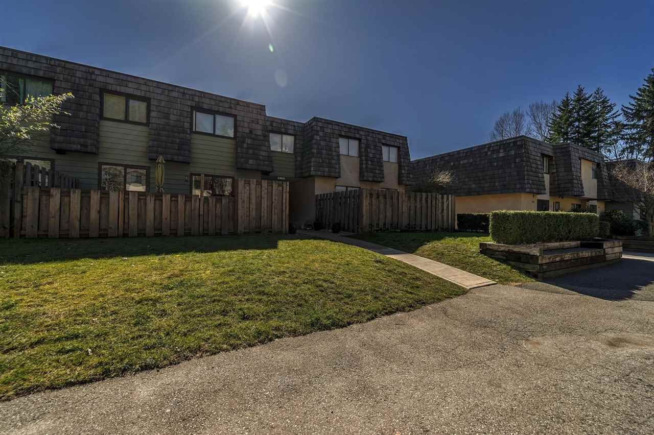 """Main Photo: 1120 PREMIER Street in North Vancouver: Lynnmour Townhouse for sale in """"Lynnmour Village"""" : MLS®# R2249253"""