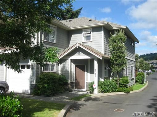 Main Photo: 102 2744 Matson Rd in VICTORIA: La Langford Proper Row/Townhouse for sale (Langford)  : MLS®# 705382