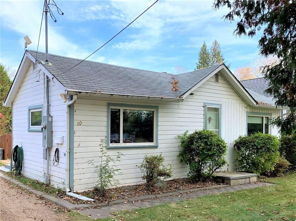 Main Photo: 10 Maple Avenue in Dauphin: Southwest Residential for sale (R30 - Dauphin and Area)  : MLS®# 202124629