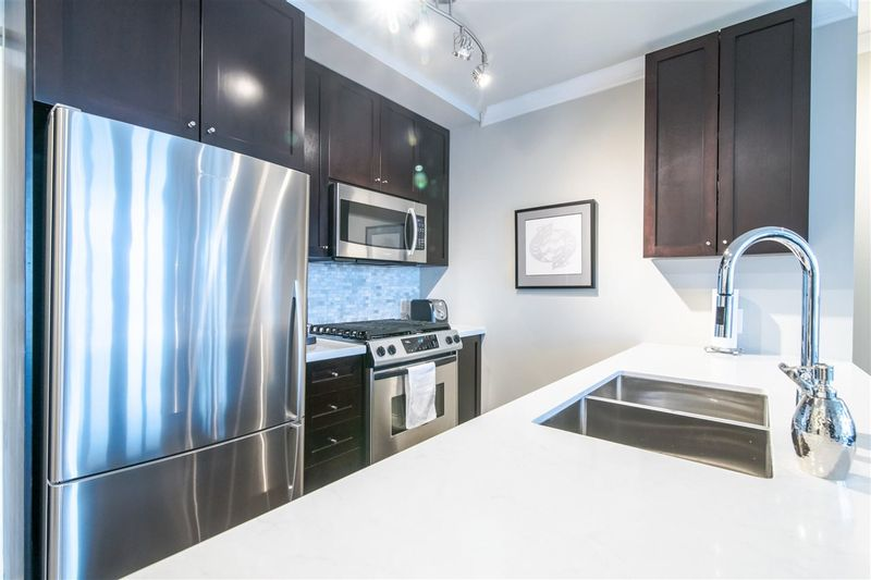 FEATURED LISTING: 2305 - 1001 HOMER Street Vancouver