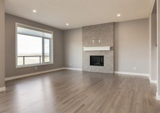Photo 7: 203 Crestridge Hill SW in Calgary: Crestmont Detached for sale : MLS®# A1105863