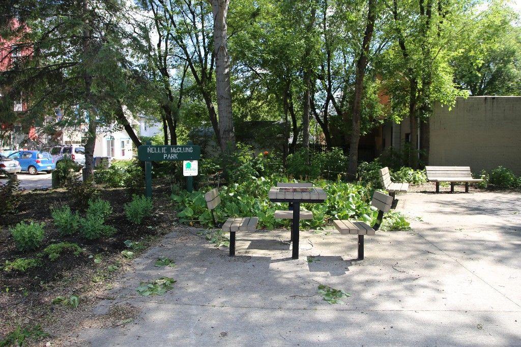 Photo 40: Photos: 64 Evanson Street in Winnipeg: WOLSELEY Single Family Detached for sale (West Winnipeg)  : MLS®# 1415941