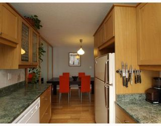 """Photo 7: 303 540 LONSDALE Avenue in North_Vancouver: Lower Lonsdale Condo for sale in """"Grosvenor Place"""" (North Vancouver)  : MLS®# V757552"""