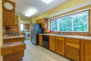 Photo 3: 20955 47 Avenue in Langley: Langley City House for sale : MLS®# R2099176
