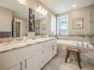 """Photo 20: 5557 PEREGRINE Crescent in Sechelt: Sechelt District House for sale in """"SilverStone Heights"""" (Sunshine Coast)  : MLS®# R2492023"""
