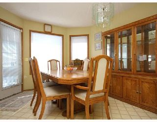 Photo 3: 59 APPLEWOOD Way SE in CALGARY: Applewood Residential Detached Single Family for sale (Calgary)  : MLS®# C3340355