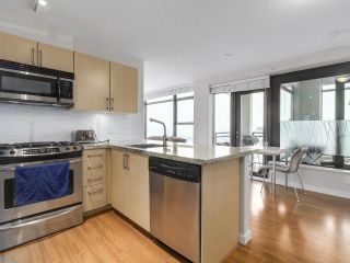 "Photo 4: 1507 1068 W BROADWAY in Vancouver: Fairview VW Condo for sale in ""The Zone"" (Vancouver West)  : MLS®# R2137350"