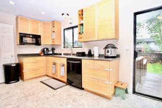 Photo 7: 2421 Aladdin Crescent in Abbotsford: Abbotsford East House for sale : MLS®# R2577565